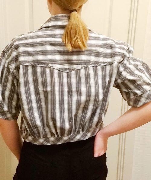 skjortejakke-graa-hvid1